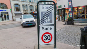 The sign for a 30kmh (19mph) speed limit in Oslo, Norway.